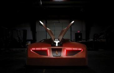 Une voiture de sport en bois de toute beauté