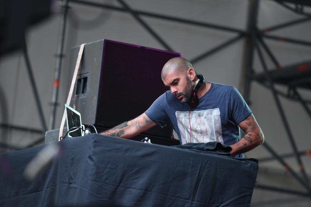 DJ-pone