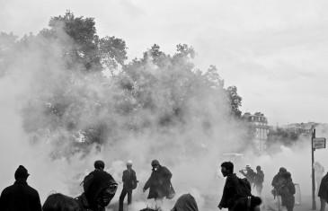 Un 26 mai à Paris, du gaz à tous les étages