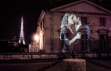Julien Nonnon affiche l'Amour sur les murs de Paris