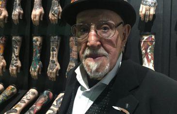 Doc Price, 85 ans au compteur et toujours tatoueur!